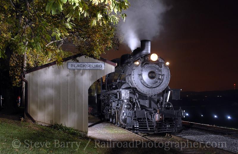 Photo 0772<br /> Norfolk & Western 475; Paradise, Pennsylvania<br /> October 22, 2006