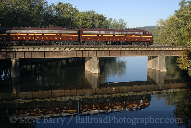 Photo 0760<br /> Pennsylvania 5809 and 5711; Millersburg, Pennsylvania<br /> October 14, 2006