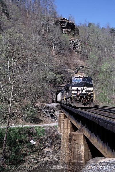 Photo 0632<br /> Norfolk Southern; Roderfield, West Virginia<br /> April 18, 2006