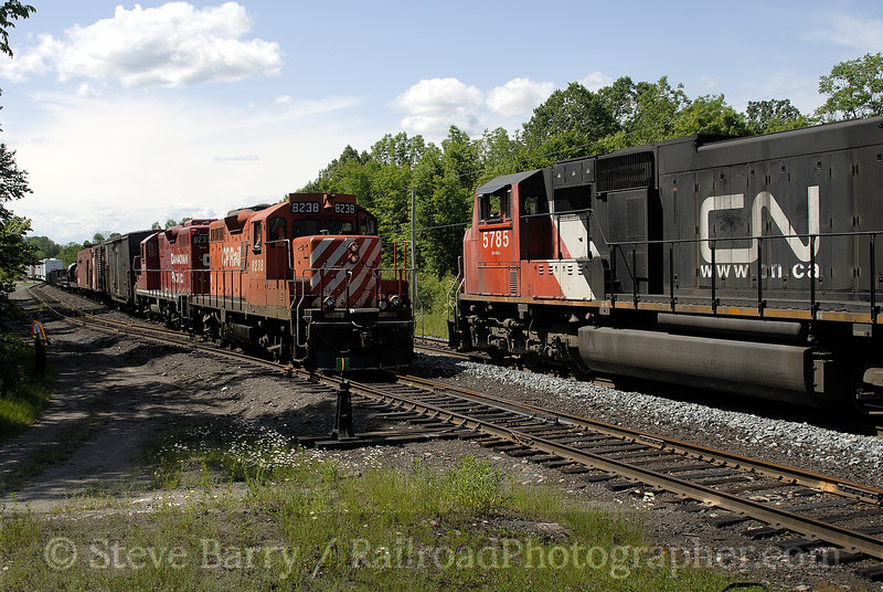 Photo 0921<br /> Canadian Pacific and Canadian National; Pickerel, Ontario<br /> June 17, 2007
