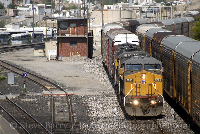 Photo 0968<br /> Union Pacific; Tower 195, El Paso, Texas<br /> May 19, 2007