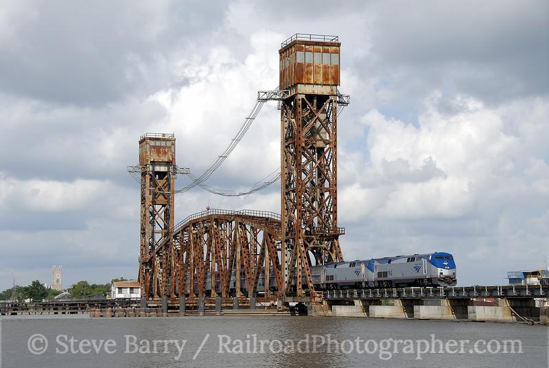 Photo 1236<br /> Amtrak; Berwick, Louisiana<br /> June 9, 2008
