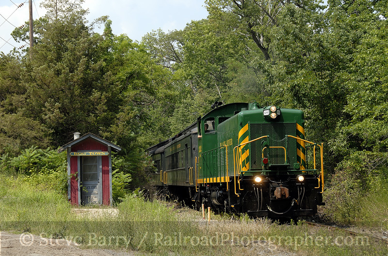 Photo 1331<br /> Black River & Western; Hog Town (Ringoes), New Jersey<br /> July 26, 2008