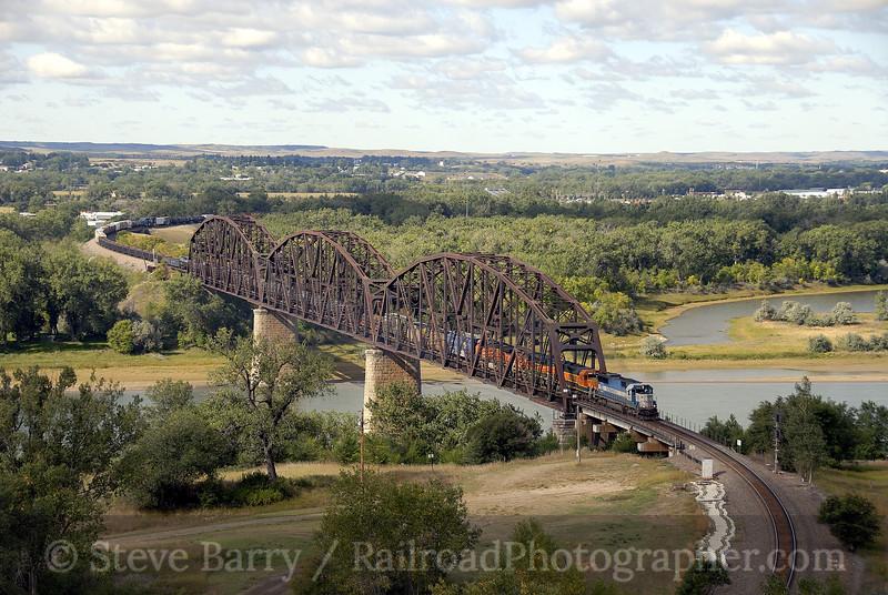 Photo 1346<br /> BNSF Railway; Bismarck, North Dakota<br /> September 14, 2008
