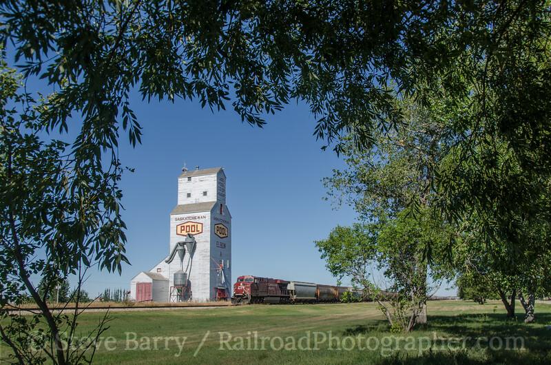 Photo 2778<br /> Canadian Pacific; Elbow, Saskatchewan<br /> August 27, 2013