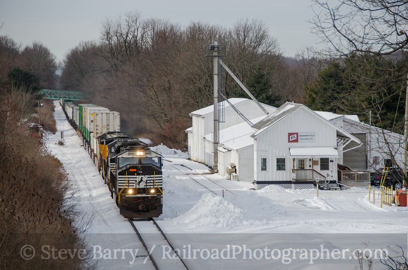 Photo 3292<br /> Norfolk Southern; Bloomsbury, New Jersey<br /> January 29, 2015
