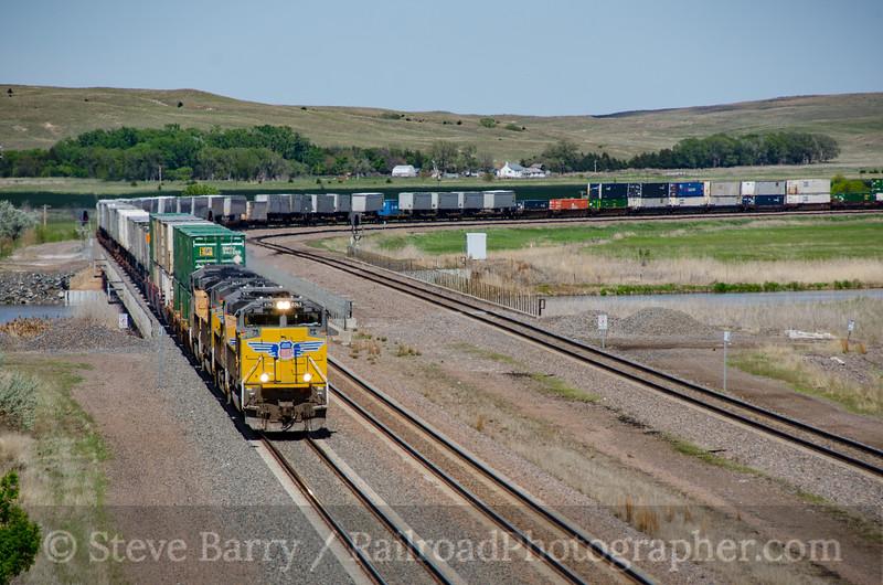 Photo 3417<br /> Union Pacific; North Platte, Nebraska<br /> May 21, 2015