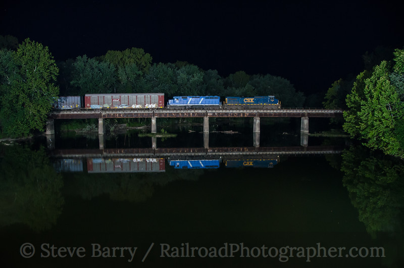 Photo 3462<br /> CSX (on Louisville & Indiana); Columbus, Indiana<br /> August 15, 2015