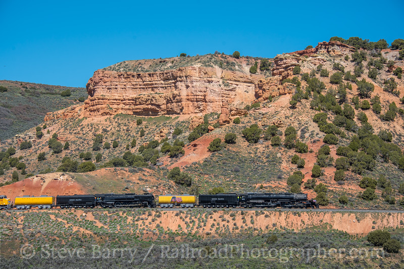 Photo 5576<br /> Union Pacific 4014 and 844<br /> Castle Rock, Utah<br /> May 12, 2019
