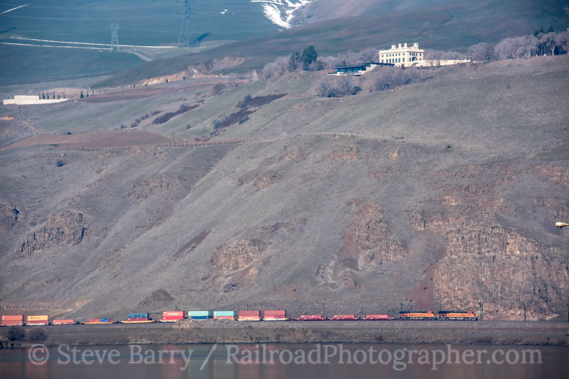 Photo 5503<br /> BNSF Railway<br /> Maryhill, Washington<br /> March 18, 2019