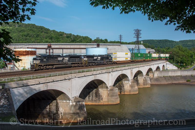 Photo 5598<br /> Norfolk Southern<br /> Johnstown, Pennsylvania<br /> June 4, 2019