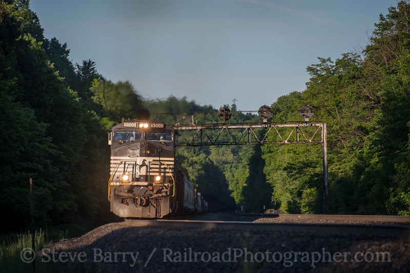Photo 5593<br /> Norfolk Southern<br /> Lilly, Pennsylvania<br /> June 4, 2019