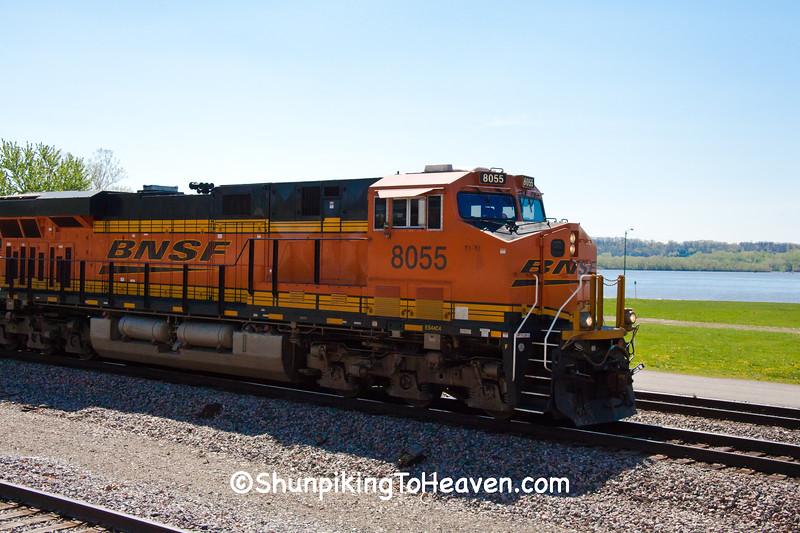 BNSF Diesel Train, Fort Madison, Iowa