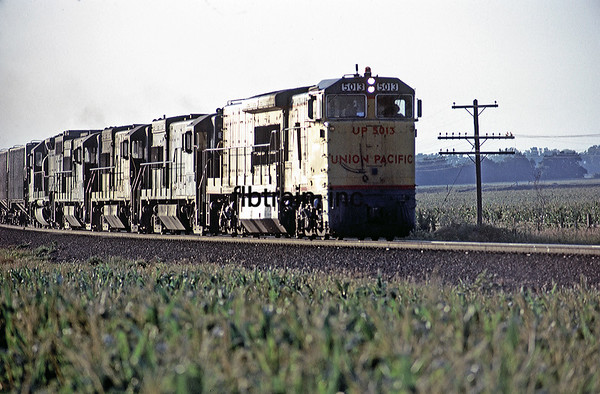 UP1974070038 - Union Pacific, Menoken, KS, 7/1974