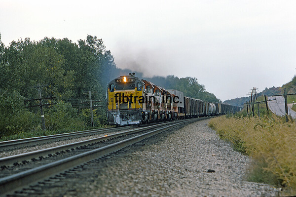 UP1974090045 - Union Pacific, Topeka, KS, 9/1974