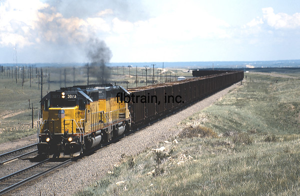 UP2001069986 - Union Pacific, Borie, WY, 6-2001