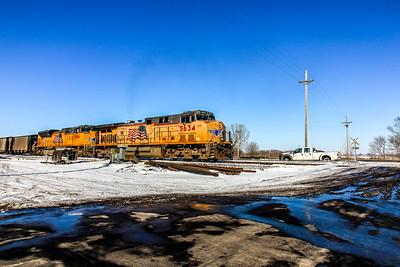 UP5634 leads an eastbound coal train towards Omaha, NE.