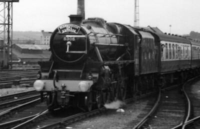 5305 Scarborough Spa Express Leeds
