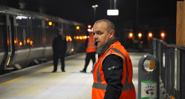 Station Controller Paul Connolly prepares to dispatch the 1950 to Belfast. Sat 02.02.19