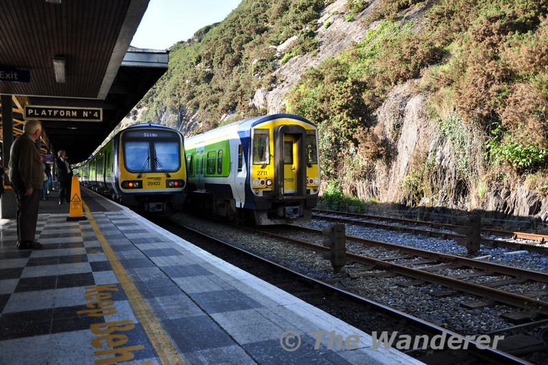 2711 + 2712 arrive at Waterford with the 1510 Limerick Jct - Waterford. The train will then continue on to Rosslare at 1720 hrs. Sat 11.09.10