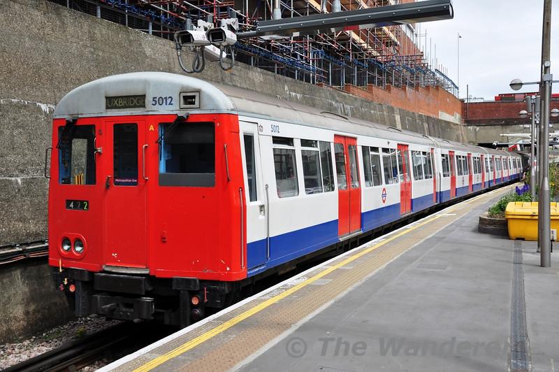 5012 departs Uxbridge for Harrow-on-the-Hill.  Sun 15.05.11