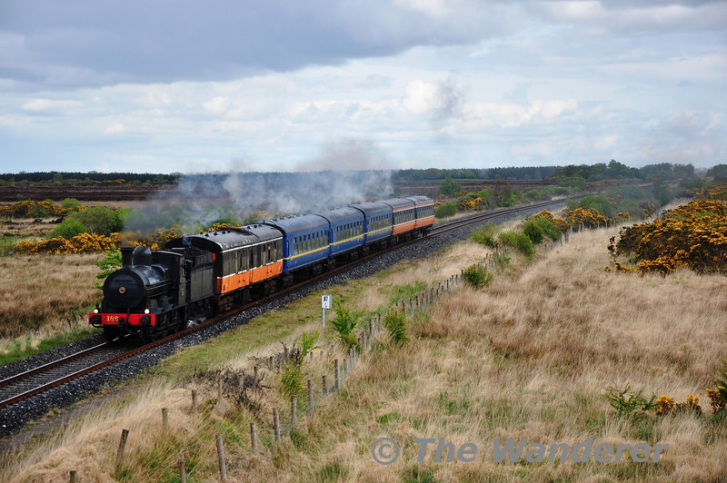 186 hauls the 1320 Athlone - Ennis South Clare RPSI Railtour past Ardnaglug between Athlone and Ballinasloe. Sat 12.05.12