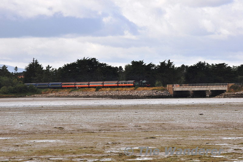 461 crosses Rogerstown Estuary with the 1030 Connolly - Drogheda Great Northern Getaway Special. Sun 11.08.13