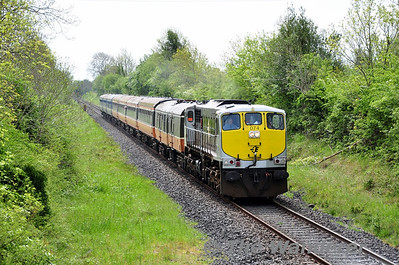 074 powers out of Clonydonnin Loop with the 0930 Connolly - Galway RPSI Galway Bay Railtour.  Fri 16.05.14