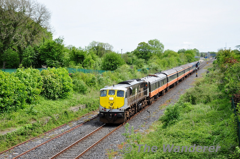 074 is pictured at Ballinsloe with the RPSI Galway Bay Railtour. Fri 16.05.14
