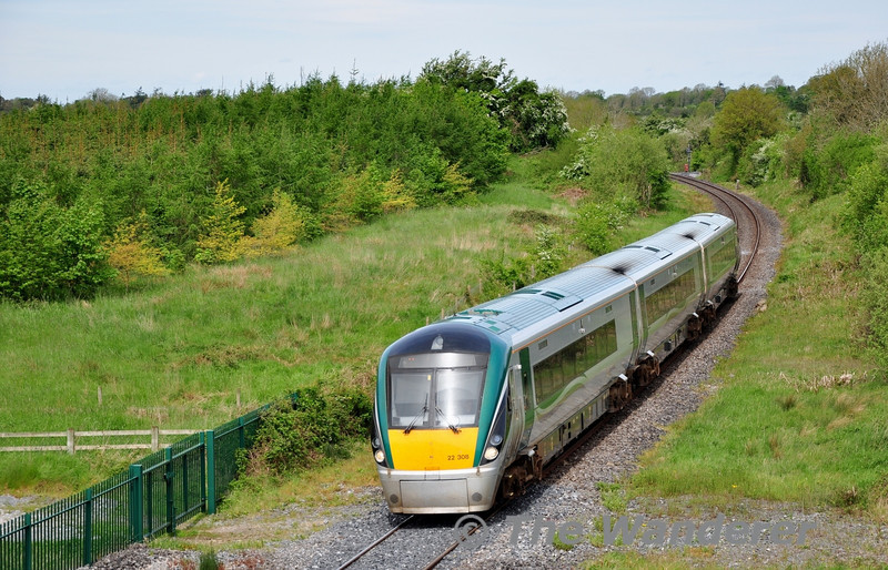 22008 passes Ballinara near Clonydonnin with the 0945 Westport - Heuston.  Fri 16.05.14