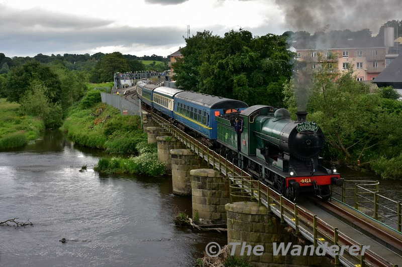 461 departs from Enniscorthy and crosses the Viaduct with the 1408 Connolly - Rosslare Strand Spl. Thurs 17.06.16