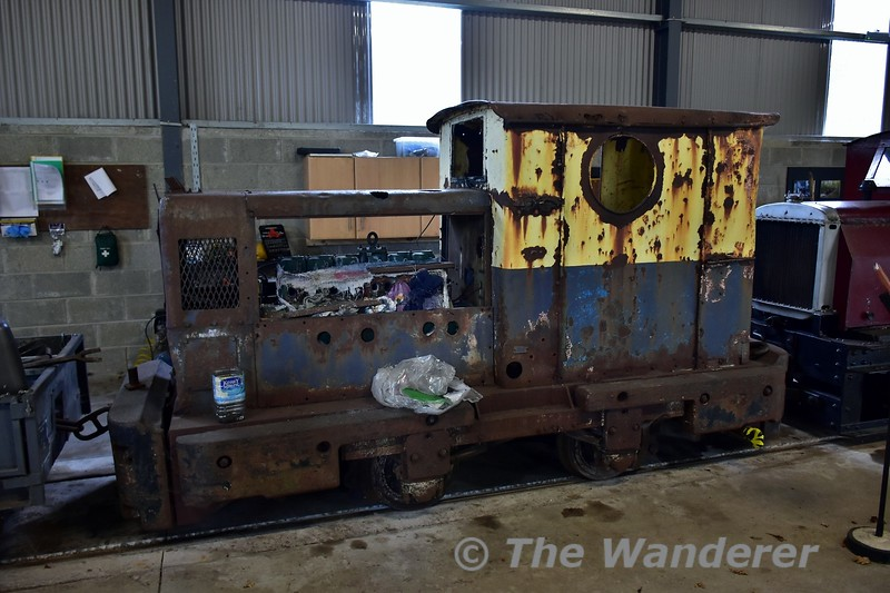 Inside the new maintenance shed at Stradbally. E.S.B. No. 4. This locomotive spent its working life at Allenwood. Sun 24.09.17