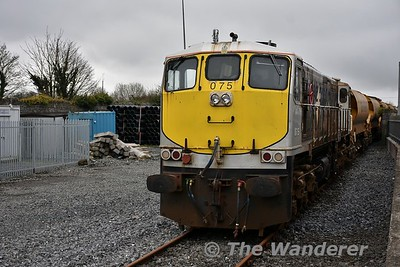 075 stabled at Carlow with a HOBS train. Sat 07.04.18