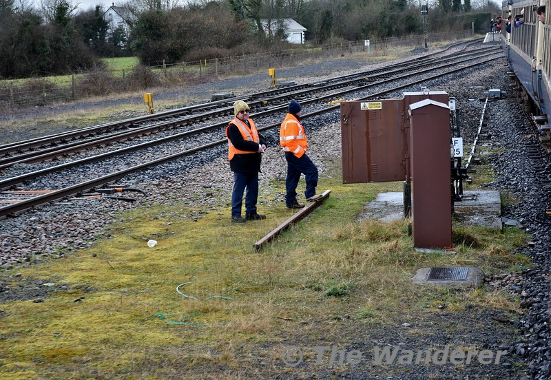 Kevin Walker of the S&E department observes the functions of the Ballybrophy Ground Frame to allow the train to shunt from the Nenagh Bay to the Up Cork Line. Sat 07.04.18