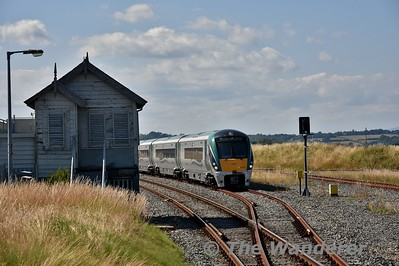 22023 waits in Wexford Loop with the 1345 Connolly - Rosslare Europort. Sun 08.07.18