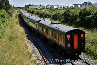 The Sea Breeze departs Rosslare Strand bound for Rosslare Europort for 072 to run around and the train to be serviced. Sun 08.07.18