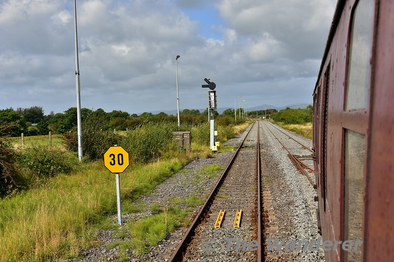 Once watering of 85 was completed, the RPSI Special was propelled from Limerick Jct's. Platform 1 to the Pocket Loop to allow No. 85 to be turned on the triangle. Fri 06.09.19