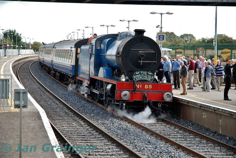 No. 85 at Portarlington with the 1033 Connolly - Killarney Emerald Isle Explorer Spl. Fri 06.09.19<br /> <br /> Photo courtesy of Ian Grainger.