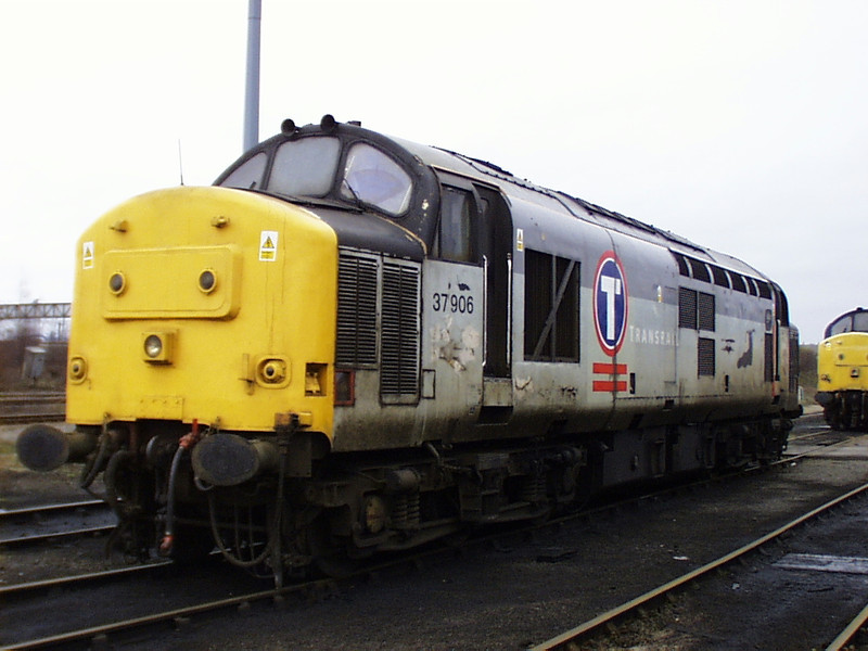 "37906 aka ""slug 6"" spends the Christmas break at Doncaster on 26th December 1998"