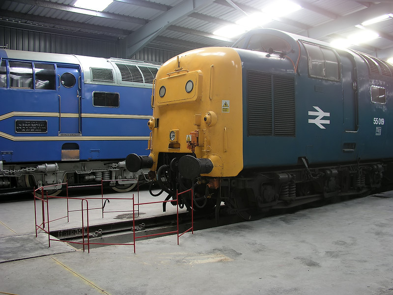 DELTIC + 55019 - DPS Shed Barrow Hill -  04/10/2003