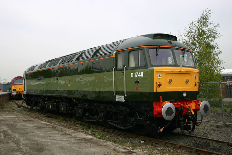 47815 sparkles in her outstanding new paint job