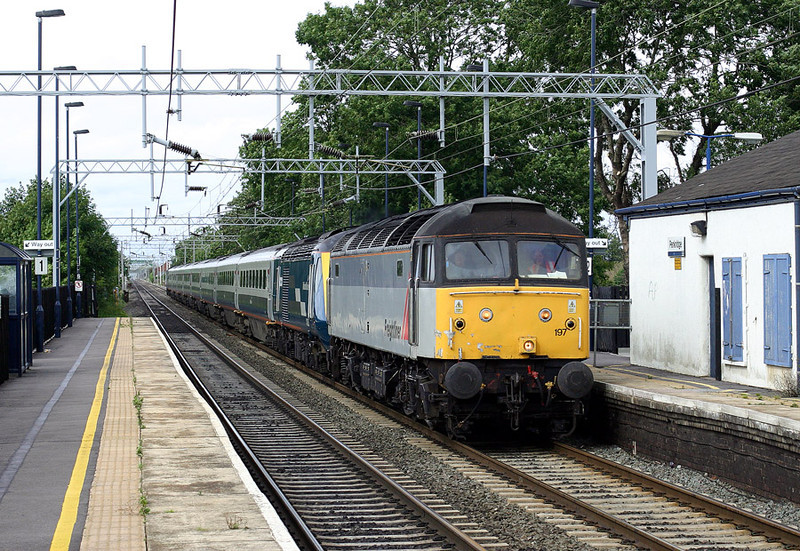 47197 powers southbound through Penkridge with the 5Z19 12:51 Longsight-Laira HST Drag 12-09-04