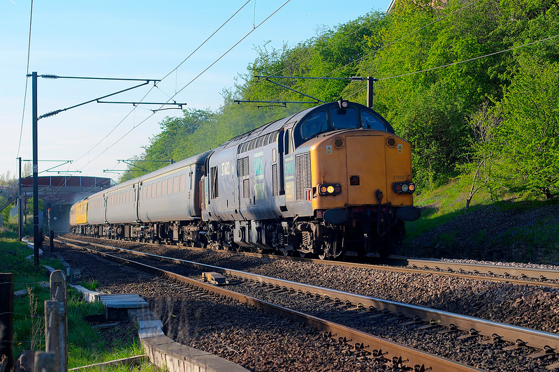 37602 tnt 37606 - 1Z18 08:58 Peterborough to Doncaster - 18/4/2007