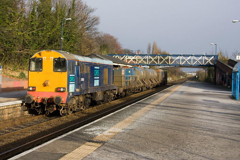 20305+20303 whistle through Hessle with a 3S14 SO 11:26 Woodburn Junction to York on November 22nd 2008