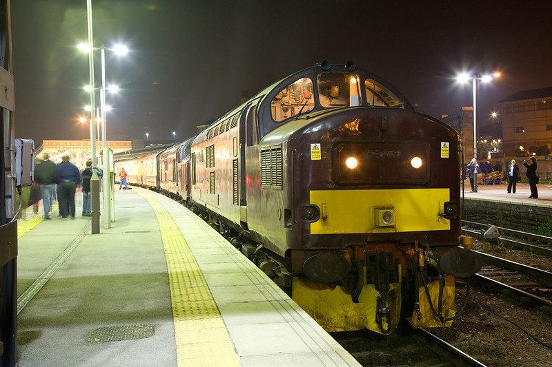 """37248+37712 - doing a Class 56 impersonation - await departure from Sheffield with a 1Z56 Spitfire Railtours """"Settle for Edinburgh""""  on September 7th 2008"""