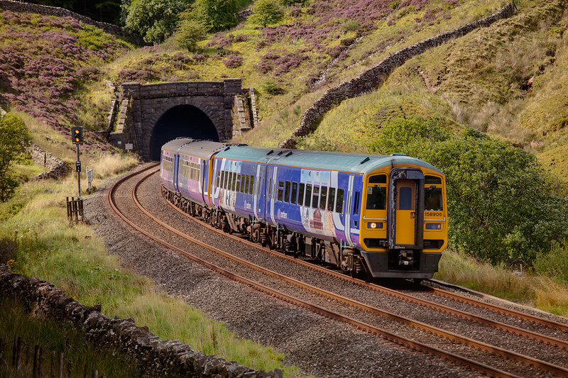 158906 leads an 0836 Blackpool North to Carlisle out of Blea Moor \tunel on August 29th 2010.