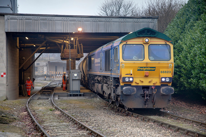 66623 is seen during unloading of a 6M91 Earles to Dewsbury at Dewsbury on February 15th 2010