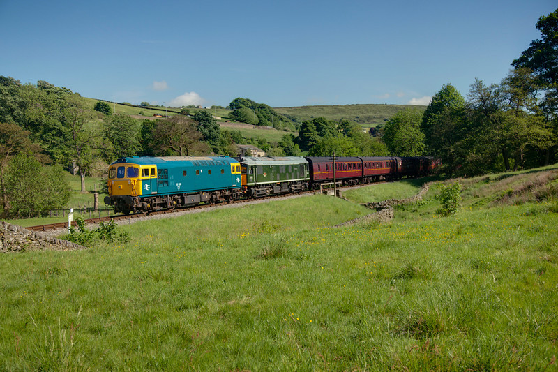 33109+D5185 with the 16:30 Oxenhope to Keighley at Haworth top field on June 11th 2010