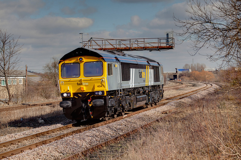 """66434 """"ex-works"""" passing Forge Lane Horbury Junction with an 0Z66 Barrow Hill to Crewe loco trip on March 3rd 2010.  the loco was to last less than a month in Faastline ownership"""
