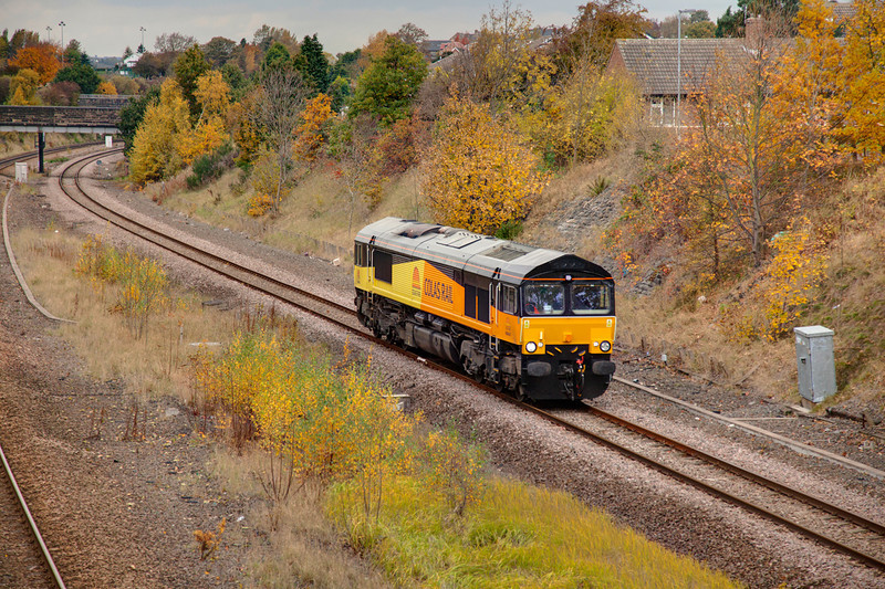 66843is seen in Horbury Cutting working an 0Z66 Rugby to Midland Road on October 29th 2010